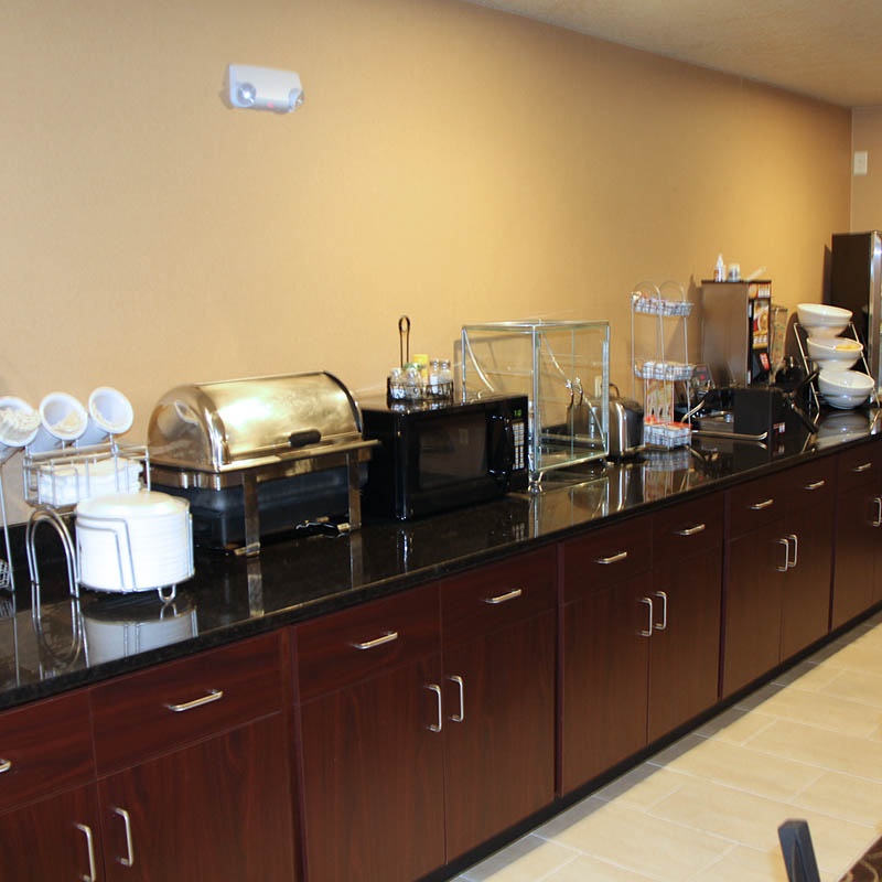 Hot breakfast at Castle Rock Inn and Suites