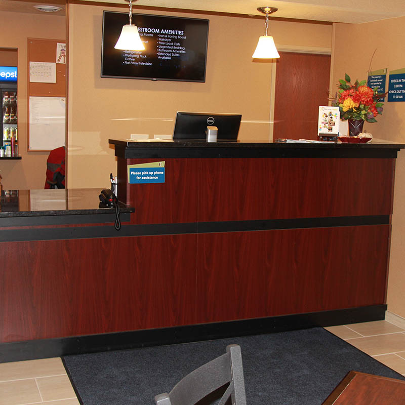 Front desk at Castle Rock Inn and Suites